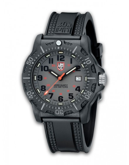 Reloj Luminox Black Ops Carbon 8802